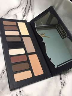 Neutral color eyeshadow (matte)