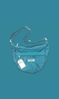 DAILY BASIC SLING BAG   NEPT