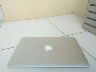 Jual Butuh Macbook Air 2011 Core i5 Ram 2Gb Mullus & No Dent