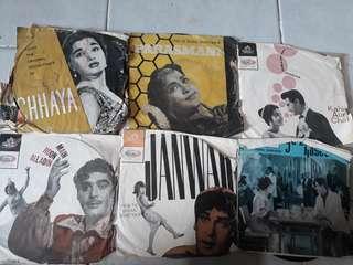 Very rare vintage 1963 to 1965 Hidustani EPs