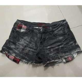 Crissa Acid Washed Shorts