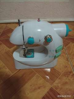 Easy Stitch Portable Sewing Machine