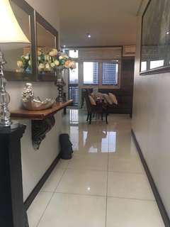 Lease to own Penthouse Unit near Shang amd Megamall Edsa