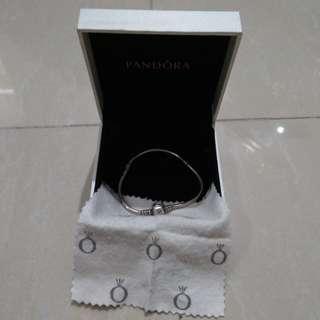 Original Pandora 17'