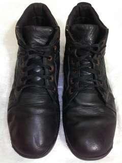 Sepatu boots Jim Joker