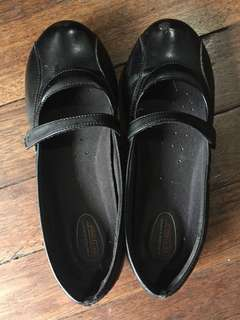 Payless black school shoes