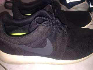 Nike Roshes US10