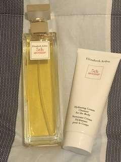 125 ml Elizabeth Arden 5th Avenue + Hydrating cream cleanser