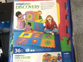 Play mat (Alphabets & numbers)
