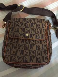 Bonia sling