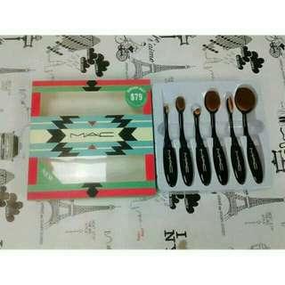 Mac Paddle Brush Set
