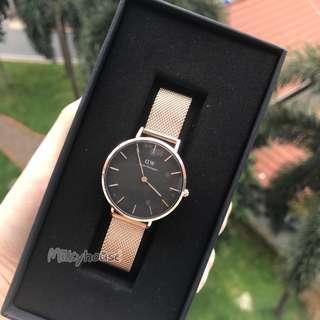 🚚 Hari raya Sales 🎉Daniel Wellington classic petite Watch