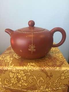 描金紫砂壺