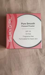 Silky Girl Pure Smooth Pressed Powder