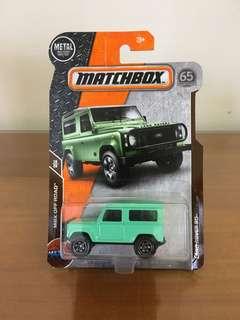🚚 1:64火柴盒MATCHBOX~路虎 LAND ROVER 90 薄荷綠