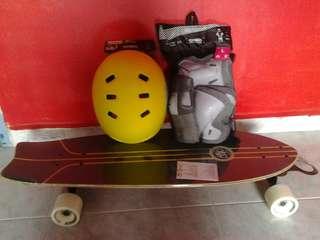 NEW PRICE !Skateboard wz helmet/protective gear!!