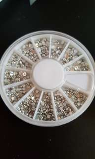 Silver/Gold Nail Art Studs In Wheel