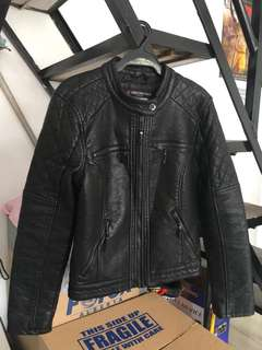 Leather Jacket ( Used Once ) In  very good condition. PM me for faster transaction: 09184244427 ( Open for meetup Rizal Area only )