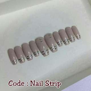 Press on nAils - Nail Strip