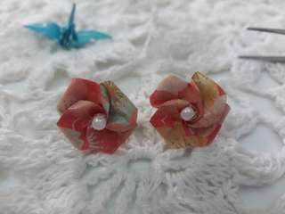 Anting Origami Rose