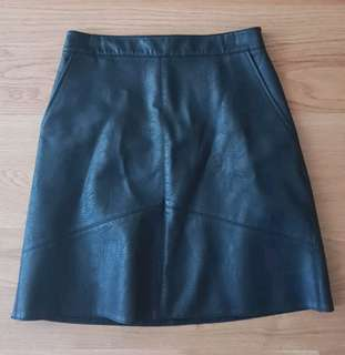 Zara faux leather skirt 6-8