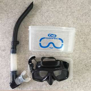 Diving/Snorkeling goggle.