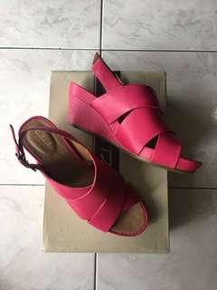 NIB Clarks Leather Wedges