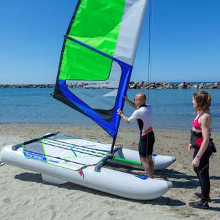 Minicat Guppy 便攜式充氣雙體船帆船