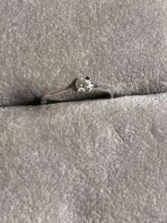 18K真鑽石戒指