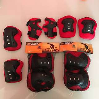 Kids Knee guard Wrist Protective Palm Guard Knee Elbow Skating Pad Protector