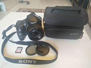 SONY HX300 Camera with 50x Optical Zoom