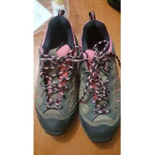 Tuscarora Trekking Shoes