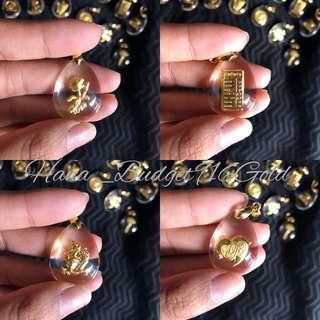 916 Gold Arcylic Pendant