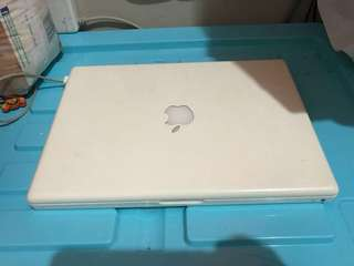 Macbook white unibody 13 inch