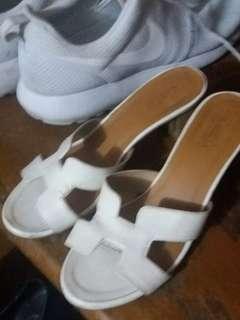 Pre-loved Hermes block sandals