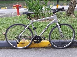 Uses FELT road bike