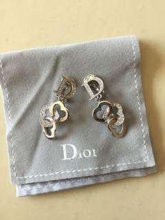 Dior earrings 耳環 夾款