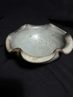 Song dynasty Jin Kiln bowl autgentic n beautiful. 20cm diameter.  守代釣窑大花口碗9公分高。特价1000