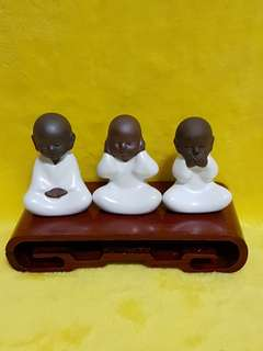 Monks Porcelain display (limited edition)