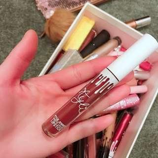 KYLIE COSMETICS liquid lipstick(clove)