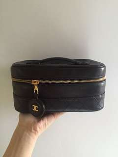 Chanel化妝袋 not lv