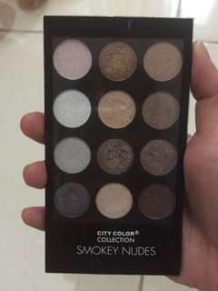 Eyeshadow city color (smokey nudes)