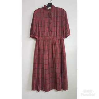 《壓箱寶》二手古著 紅底黑線格短袖洋裝