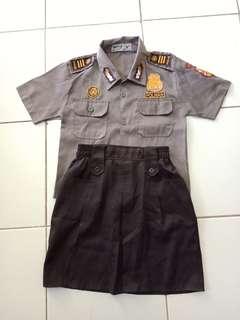 Baju seragam polwan cilik