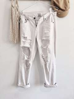 LUXE WHITE RIPPED MOM JEANS