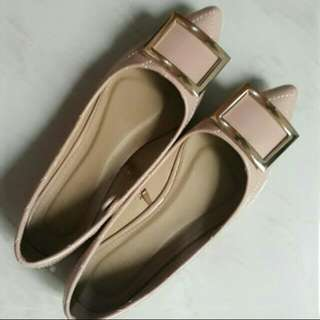 Pointed Flats with Square Buckle