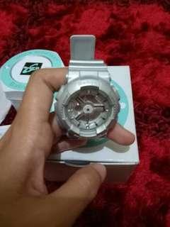Jual jam tangan Baby G silver asli msh br bgt blm dipake