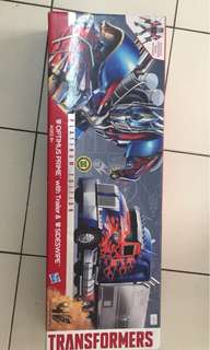 Hasbro Transformers optimus prime with trailer