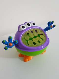 Nuby iMonter snack keeper cup