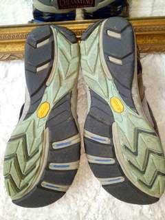 🚚 Merrell運動款涼鞋